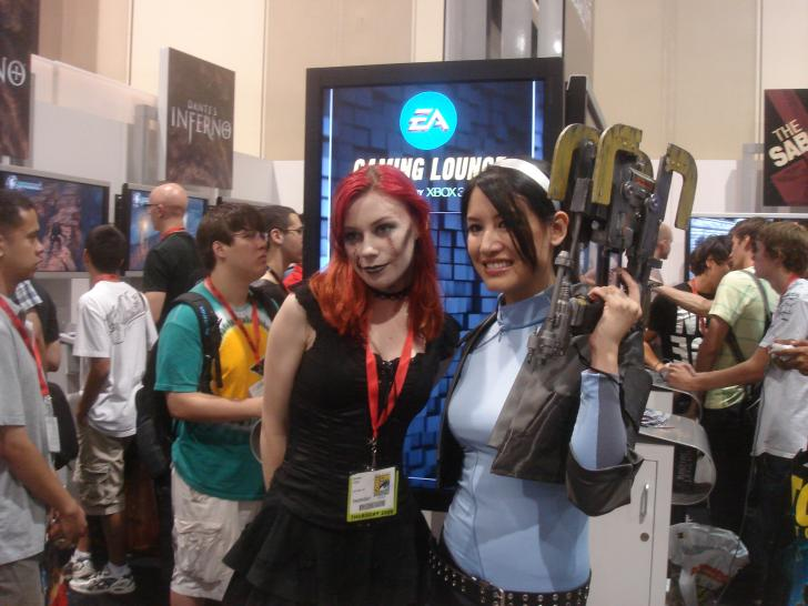 Youtube-Video mit Booth-Babes der Comic-Con 2010. (1)