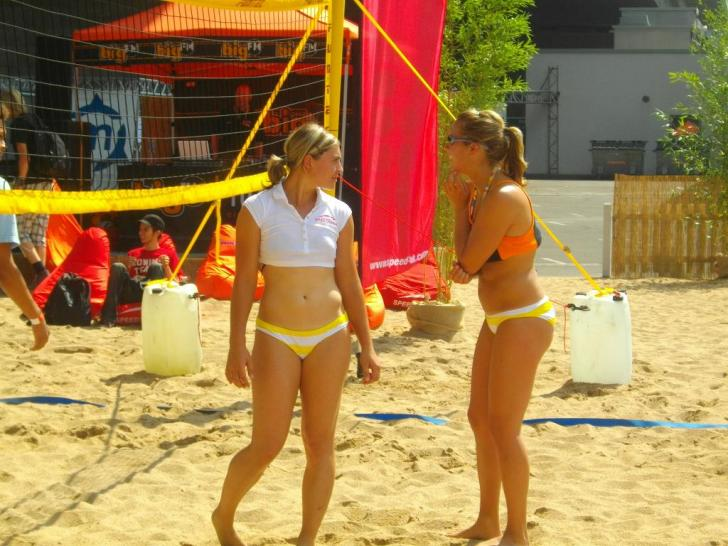 Beach-Volleyball auf der gamescom 2009.